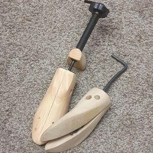 Shoe/boot stretchers